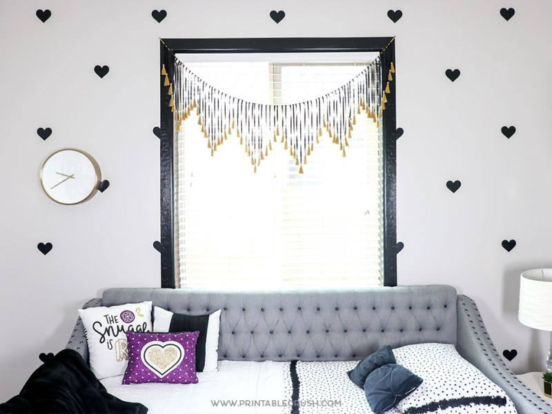 Easily recreate this Faux Heart WAllpaper with Cricut Vinyl and your Cricut Machine