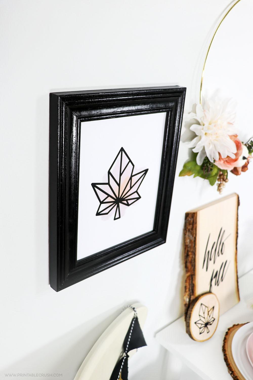 Download this modern Fall Leaf Printable Wall Art plus FREE Friendsgiving printables!