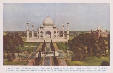 Agra: Taj Mahal. Bird's eye view of the tomb built in 1632 by Shah Jehan for his wife Mumtaz Majal.