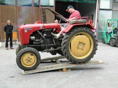 Michael am Traktor