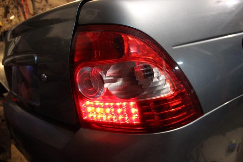 установка светодиодных фонарей на Приоре