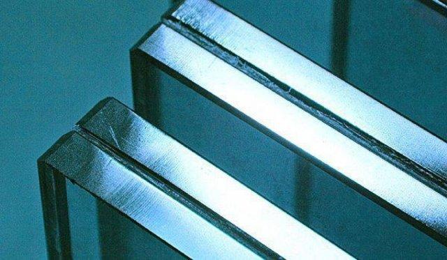 Триплекс с пленкой Stratophone