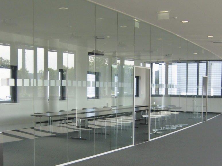 изготовление стеклянных перегородок