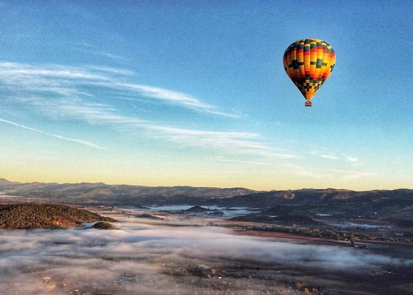 Hot air balloon early morning in Napa
