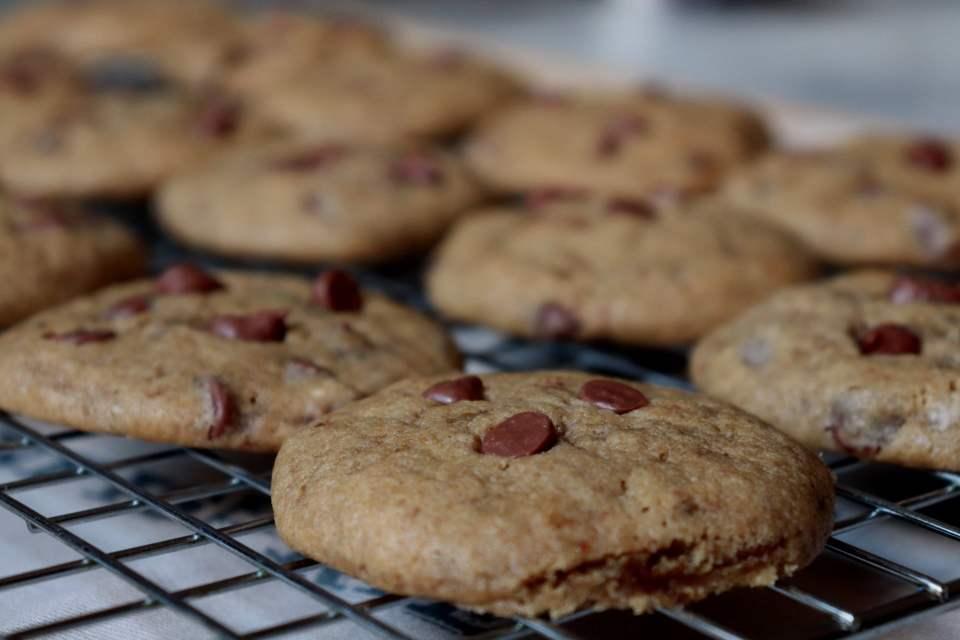 imagem cookies esfriando grelha