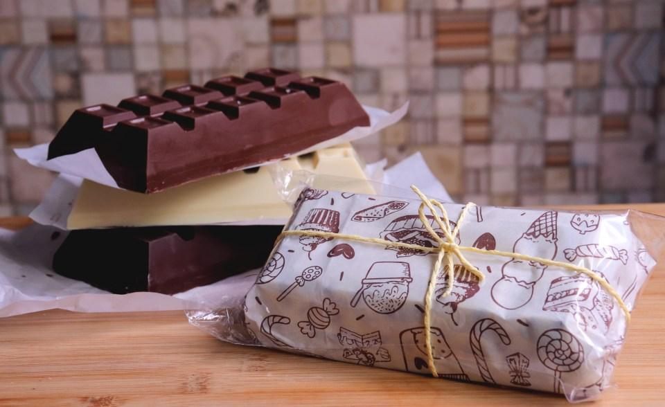 imagem barra de chocolate recheada