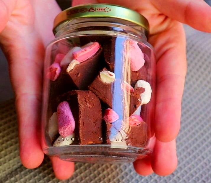 Imagem pote de chocolate quente