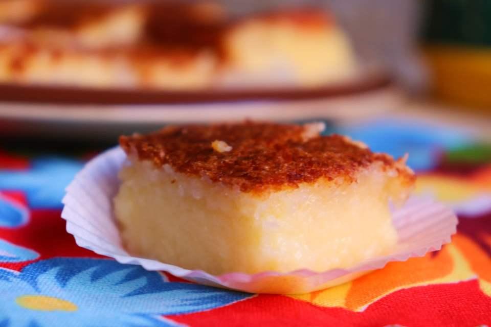 imagem pedaço de bolo queijadinha cremosa