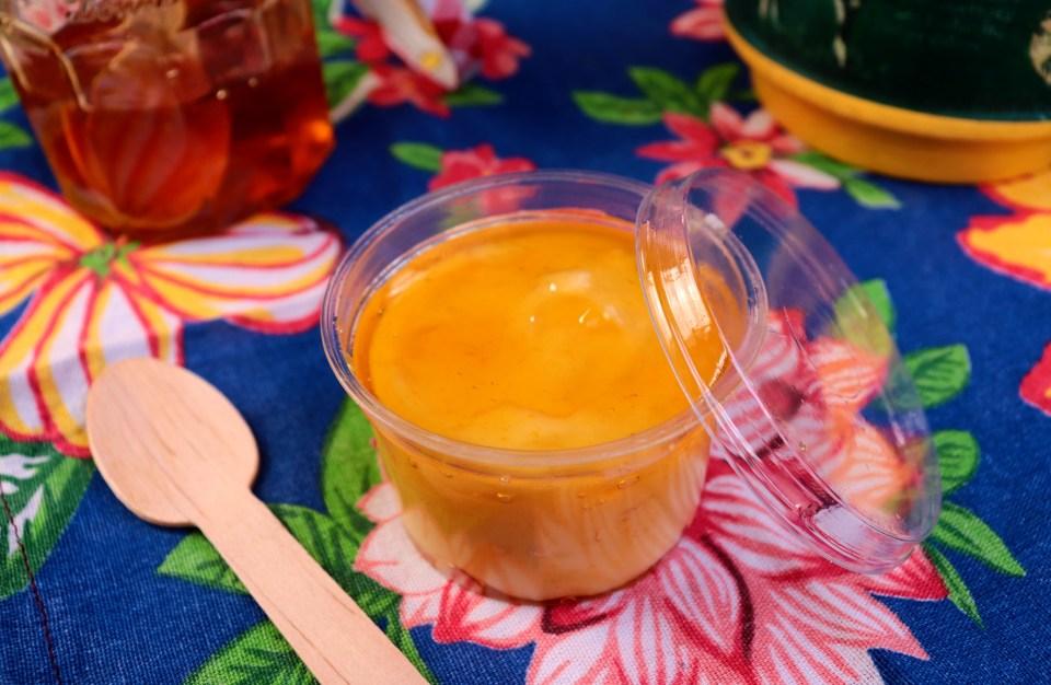 imagem de manjar de milho no pote