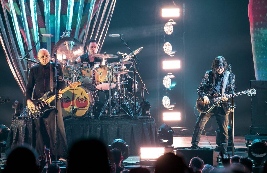 The Smashing Pumpkins regresan con dos rolas y cambian por completo su sonido