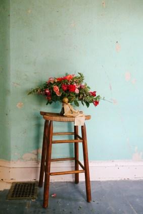 Photographer: Mandi Nelson Flowers: Selva Floral Location: Prism House