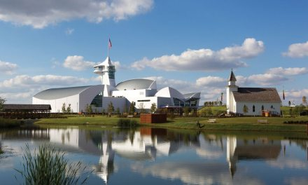 The Discovery Center in Union City, Tennessee, finished with Duranar® and Duranar® XL coatings by PPG