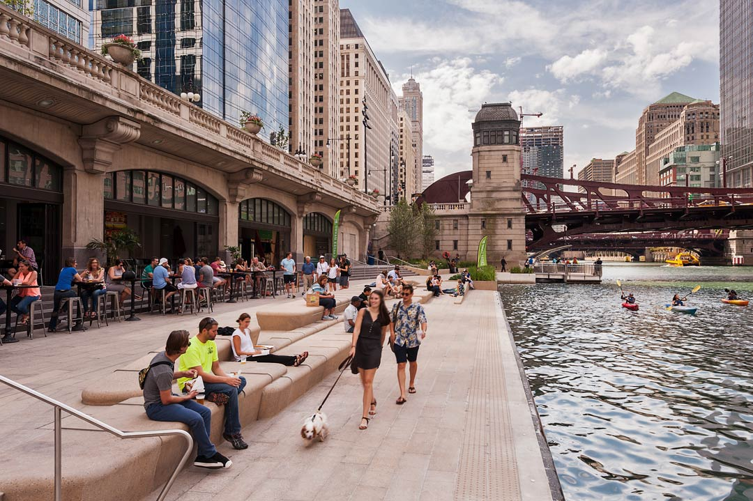 Chicago Riverwalk. Photography: © Christian Philips