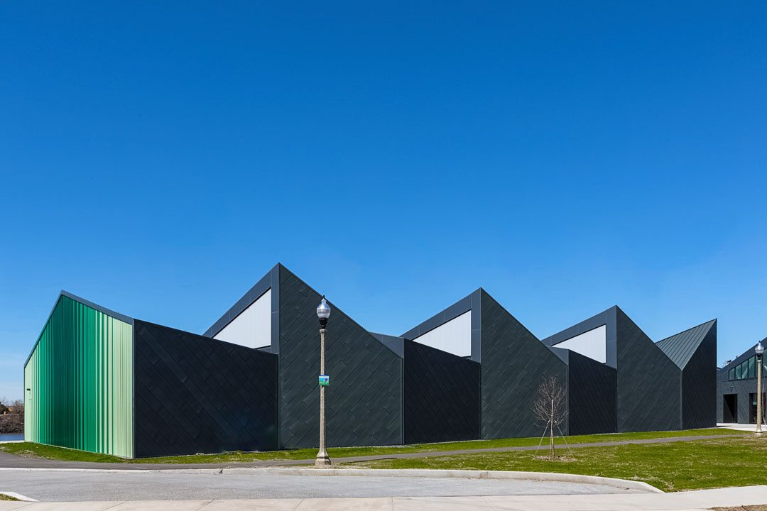 The Eleanor Boathouse at Chicago's Park 571 includes EXTECH's innovative LIGHTWALL 3440 framing system. Photo: William Zbaren Photography
