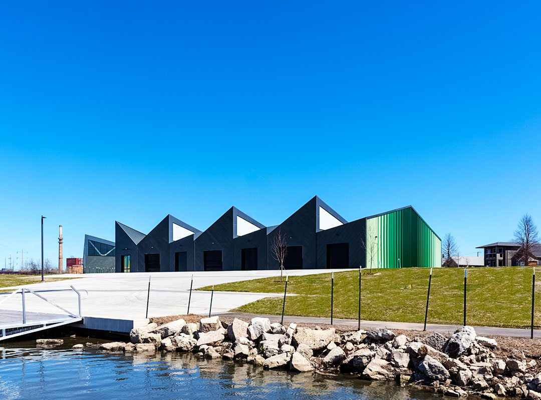 The Eleanor Boathouse at Chicago's Park 571 featuring EXTECH. Photo: William Zbaren Photography