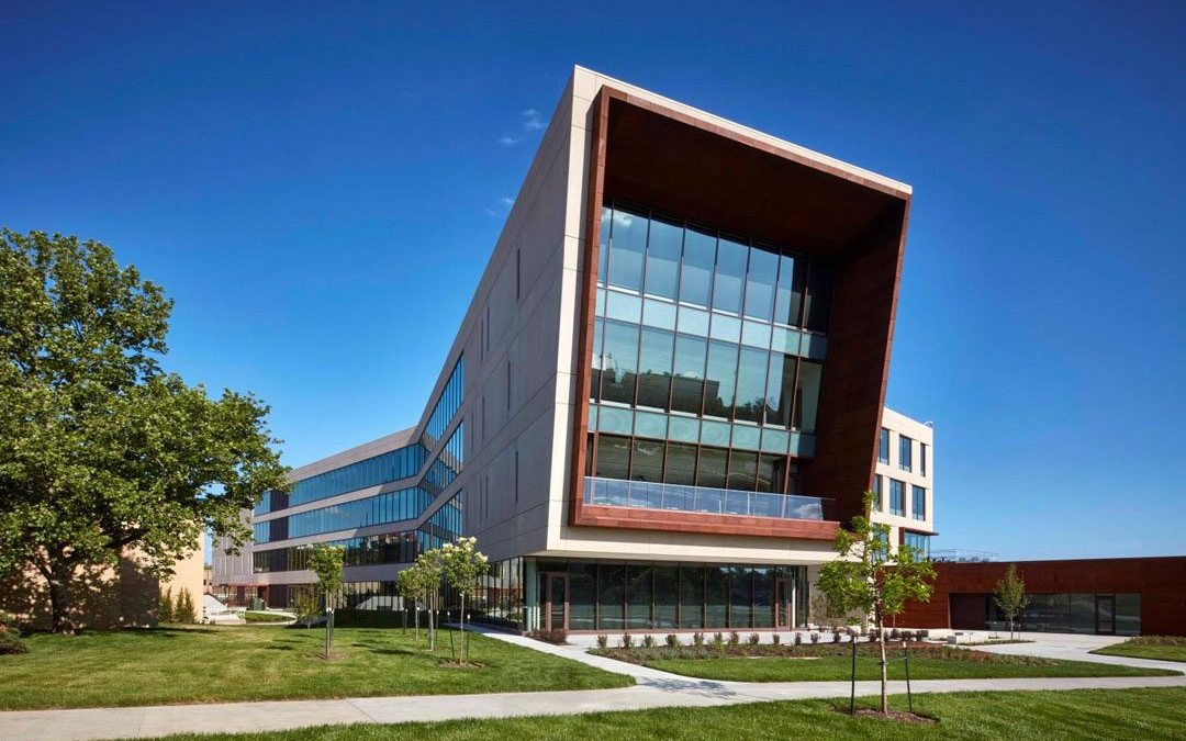 Award-winning academic building features SOLARBAN 70XL glass by Vitro Glass