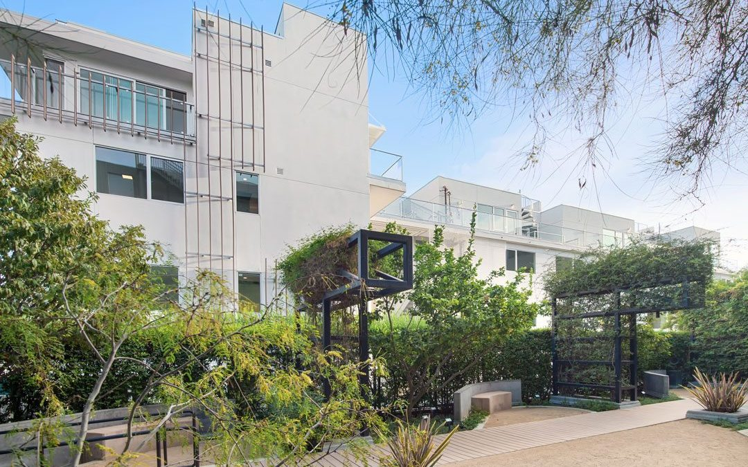 1345 Havenhurst in West Hollywood