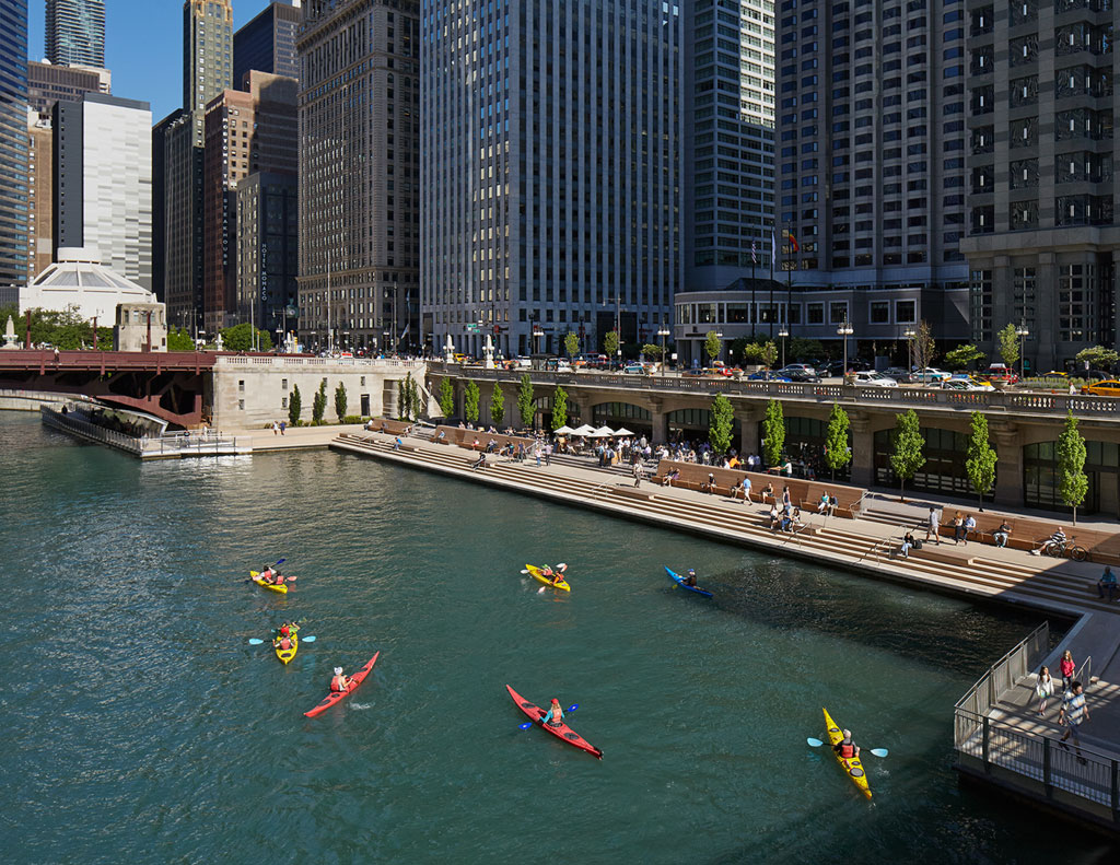 Completed in 2015, the second phase of the Chicago Riverwalk increased the accommodations for recreation, with two rooms designed with motor and human powered crafts. Credit: © Kate Joyce