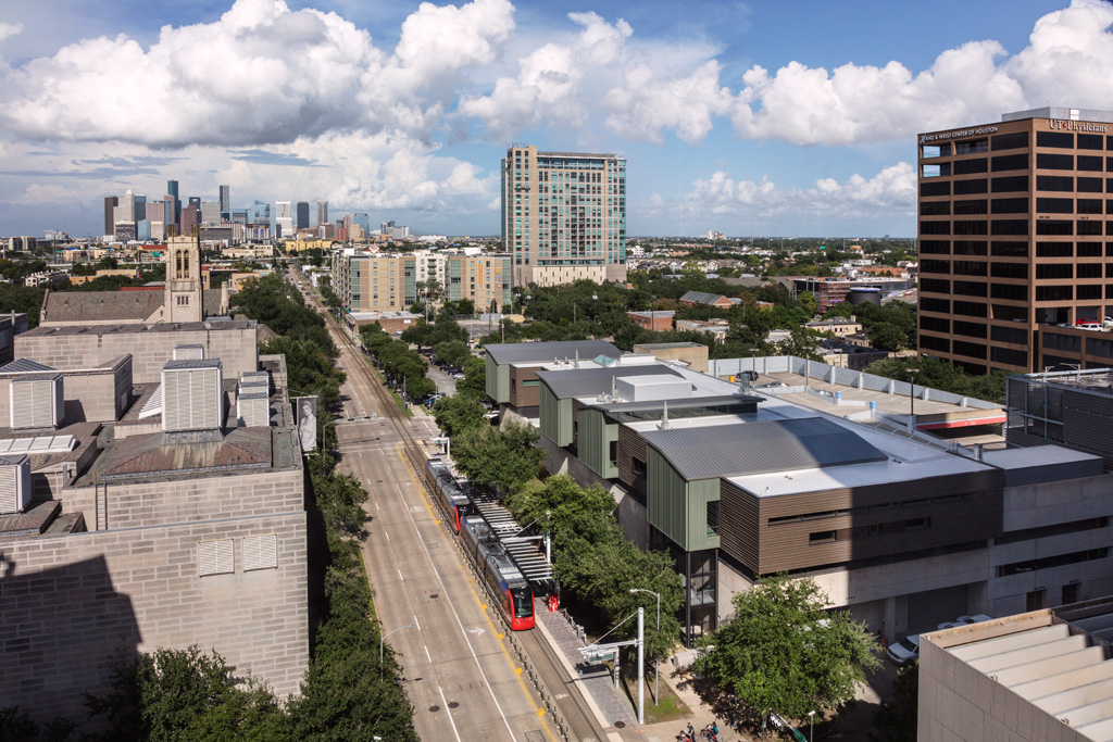 Back view of the Sarah Campbell Blaffer Foundation Center for Conservation by Lake|Flato Architects facing downtown Houston from the corner of Fannin Street and Ewing Street. Photograph © Richard Barnes
