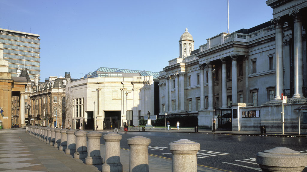Exterior View from Trafalgar Square, Photo by Matt Wargo, 1991, Architectural Archives, University of Pennsylvania by the gift of Robert Venturi and Denise Scott Brown. Copyright: Trustees of the University of Pennsylvania