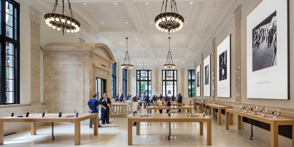 Apple Store, Upper East Side, New York City. Photo credit: © Peter Aaron