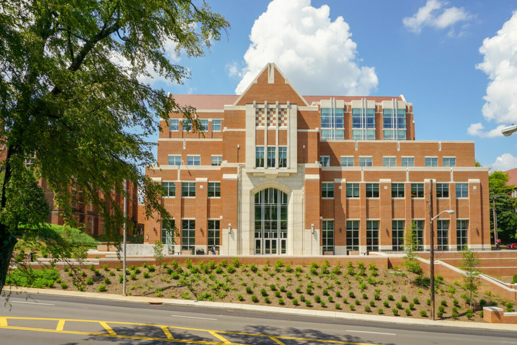 Ken and Blaire Mossman Building at the University of Tennessee-Knoxville. Photo: © Lord Aeck Sargent