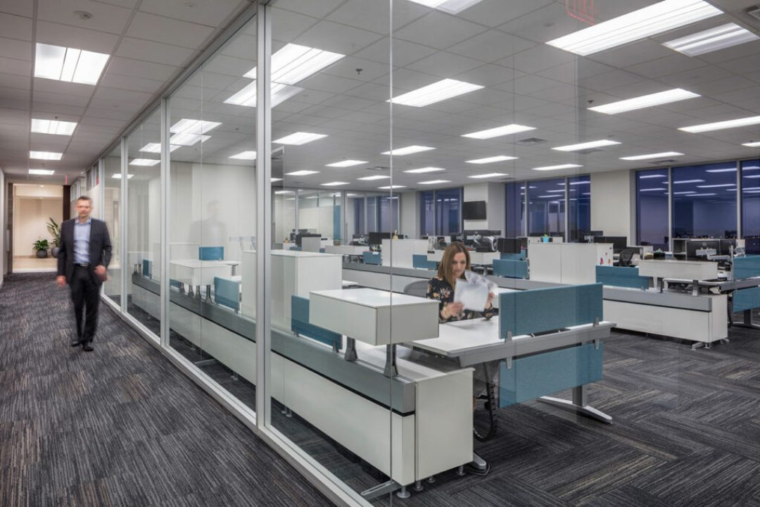 Mariner in Overland Park, Kansas. Furniture selection suits employees' preference for flexible working styles and includes standing and seated desks, treadmill desks, and portable presentation stands for pop-up meetings anywhere, anytime. Courtesy of Hoefer Wysocki