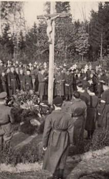 cérémonie du 21 juillet au cimetière du stalag I A