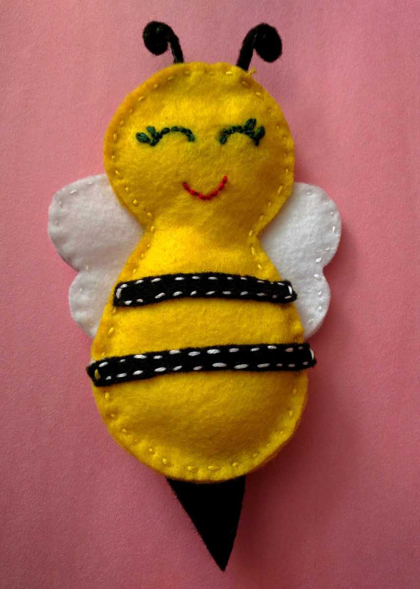 Felt Bumblebee DIY project