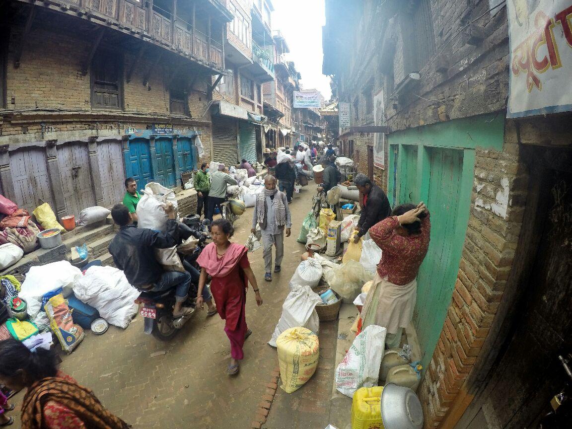 nepal earthquake bhaktapur people migrating