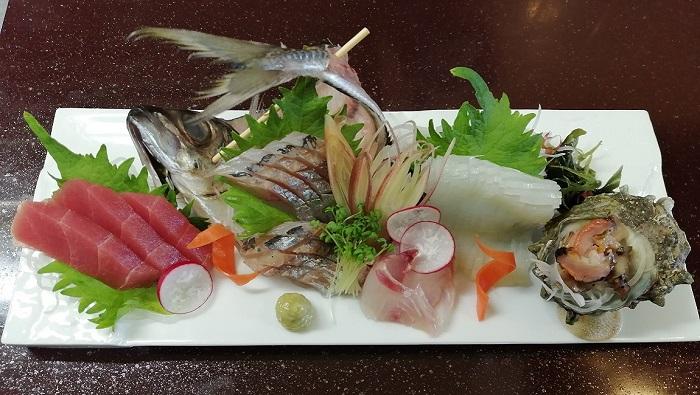 日本料理の刺身を学ぶ