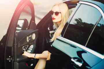 luxury-car-woman