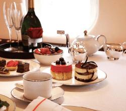 VistaJet private jet fine dining