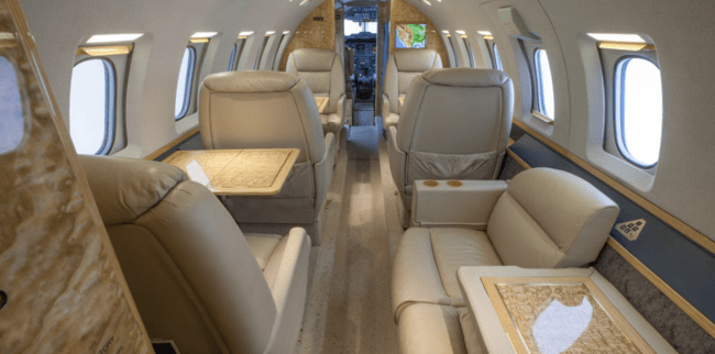 Hawker 800 cabin layout