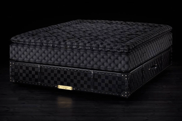 What Makes Drake's Bed Worth $400,000