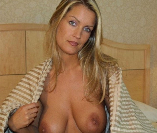 Blonde Amateur Milf With Big Natural Tits