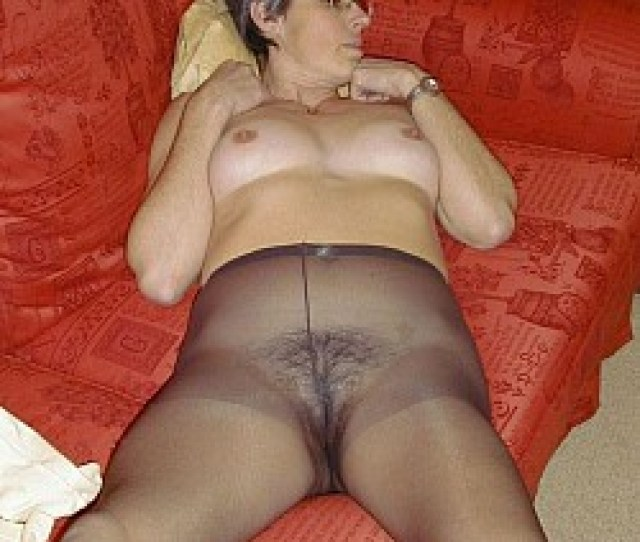 Mature Ladies In Sexy Pantyhose Loves Posing In Nude