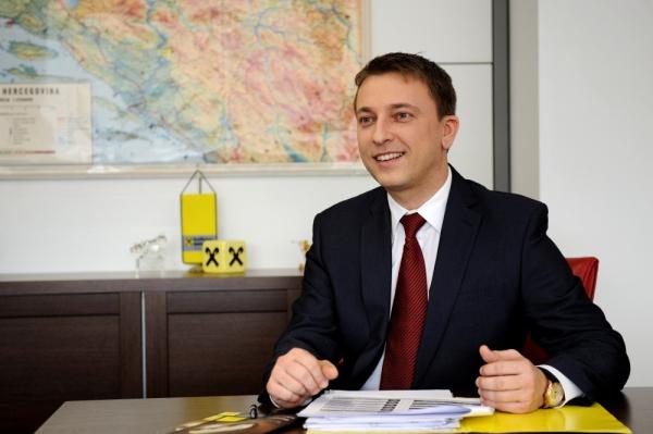 """Nova Kampanja Raiffeisen Banke: """"Magija Koja Vraća Novac"""""""