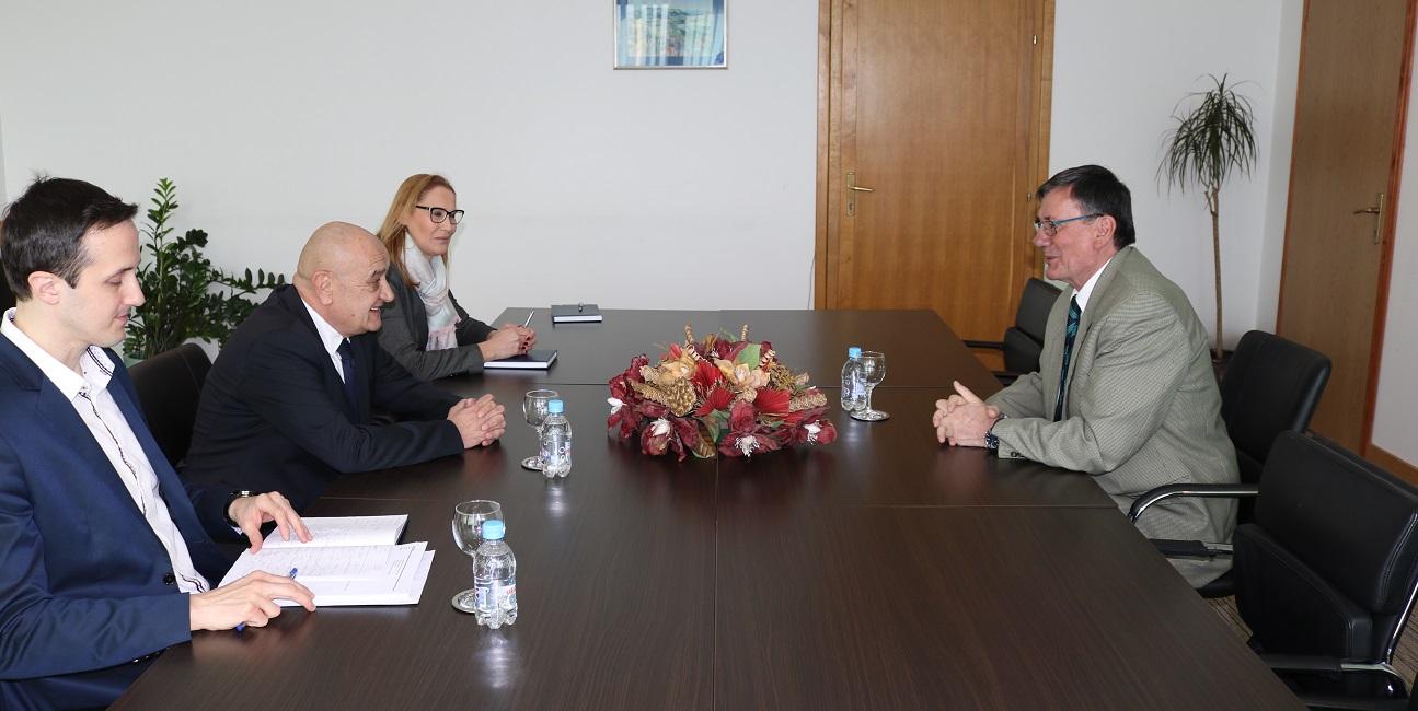 Ministar Bevanda Primio U Oproštajni Posjet Veleposlanika Srbije