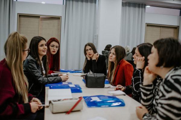 Djevojke Iz BiH I Crne Gore Učestvovale U Radionici O ICT Sektoru