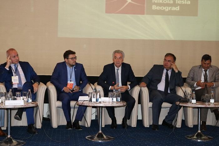 Šarović: Ključna uloga vlasti je da bude na usluzi privrednicima