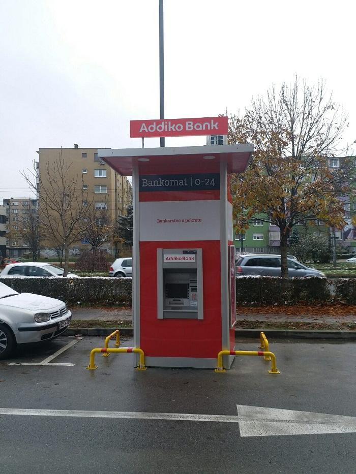 Postavljen Prvi Addiko Drive In Bankomat