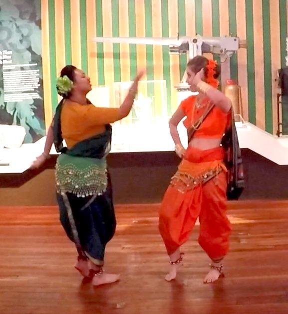 India BOLLYWOOD FOLK DANCE
