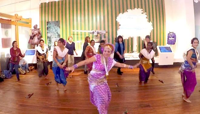 BOLLYWOOD DANCE INDIA FOLK DANCE