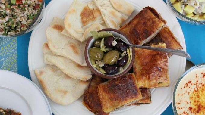 Vidéo d'une limace dans une salade: une restauratrice parisienne dénonce un «coup monté»