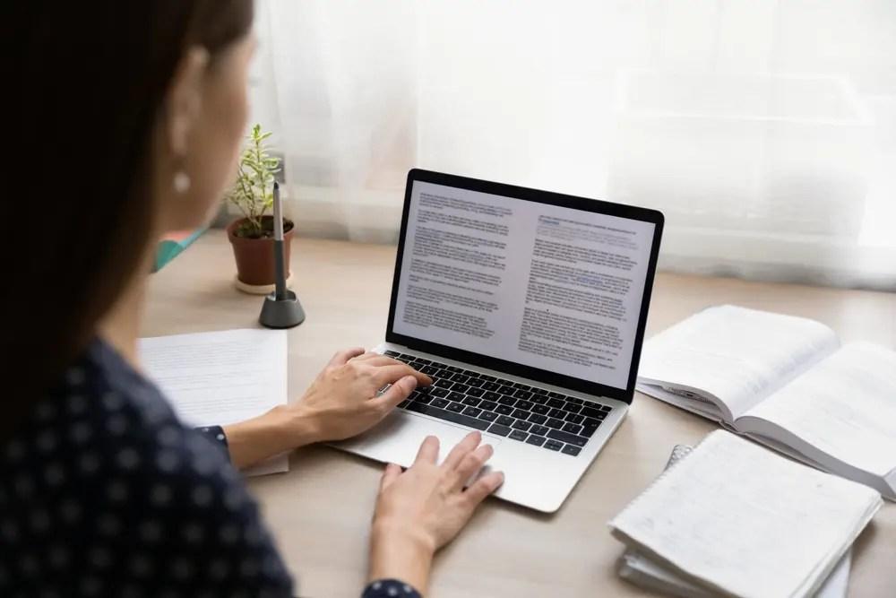論文を翻訳をする技術英語能力検定資格保有者