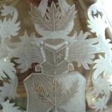 Wappengravur auf Dekanter