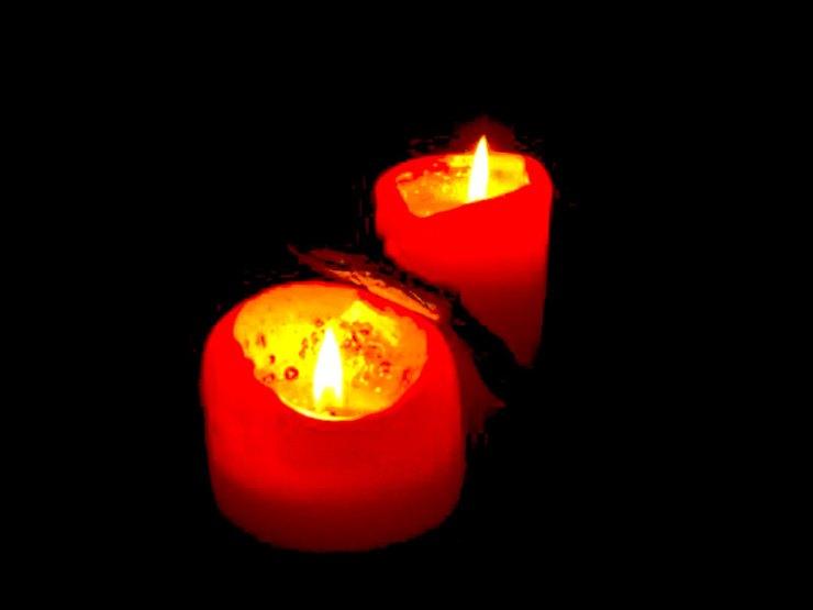 Приворот на две свечи