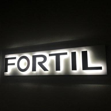 Lettrages rétro éclairés LED - FORTIL - Design by Cigne