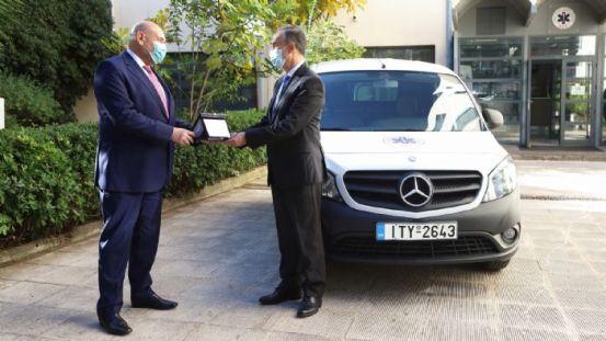 Η Mercedes-Benz υποστηρίζει το EKAB